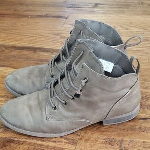 American eagle booties size 9
